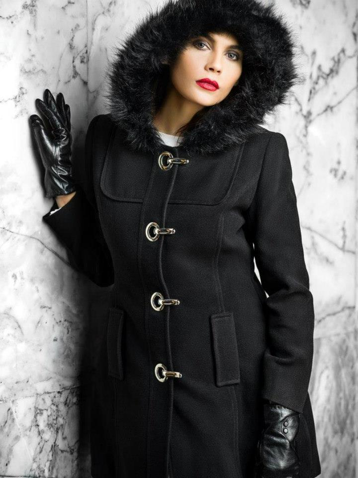 faux fur hat and matching gloves-bonanza