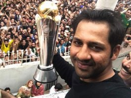 Sarfraz-Ahmed-Comes-Home