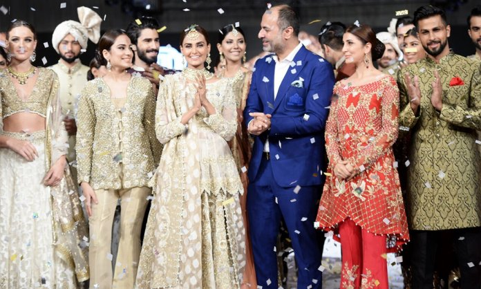 8dec31abe2 The glitz and glam of Fashion Pakistan Week 2017 Winter/Festive continued on  Wednesday, September 13th at the Global Marquees in Karachi.