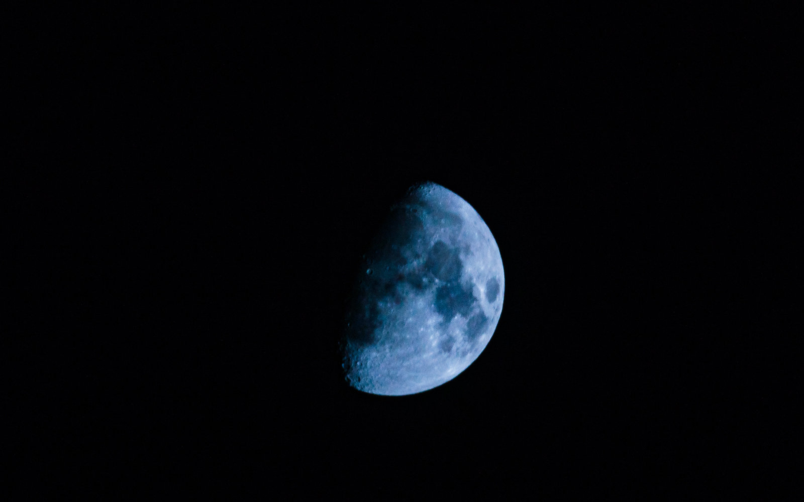 Blue Sky Full Moon But Not Blue Moon >> Blue Moon 2018 To Light Up The Sky This Weekend Brandsynario