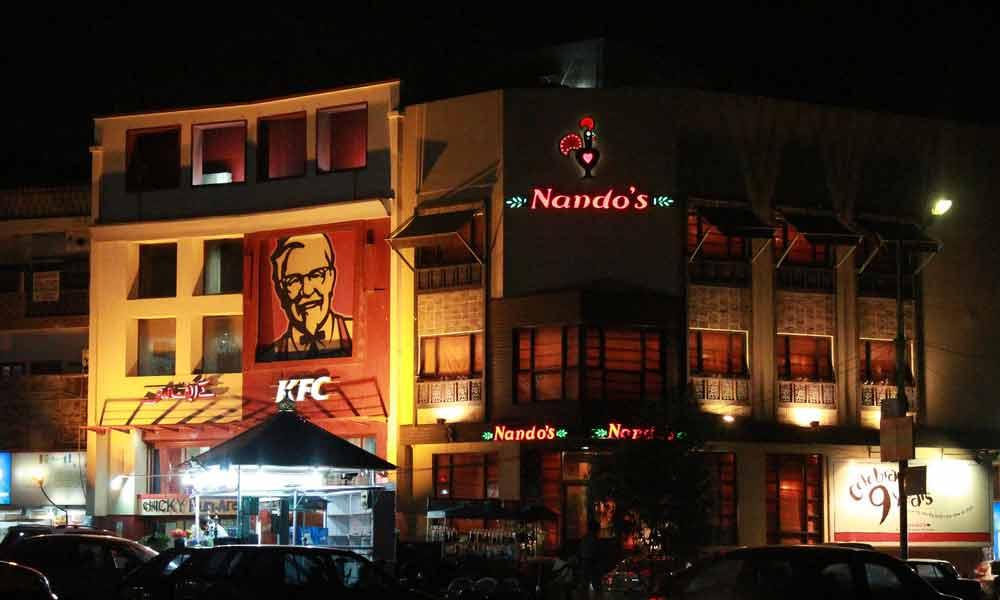 Most Popular Restaurants In Smchs Karachi That Everybody