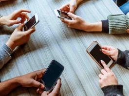 smartphones under 25000