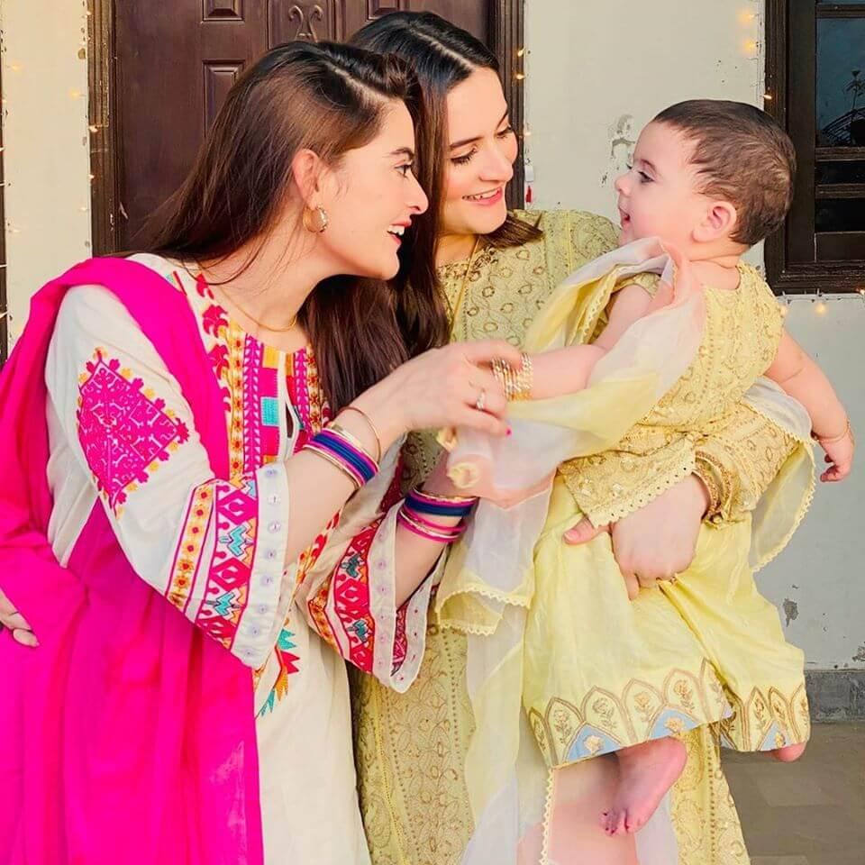 minal khan playing with niece amal muneeb, aiman's daughter
