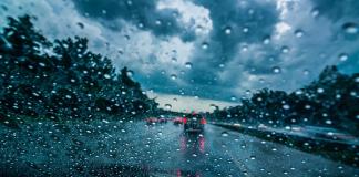 driving in heavy rain karachi