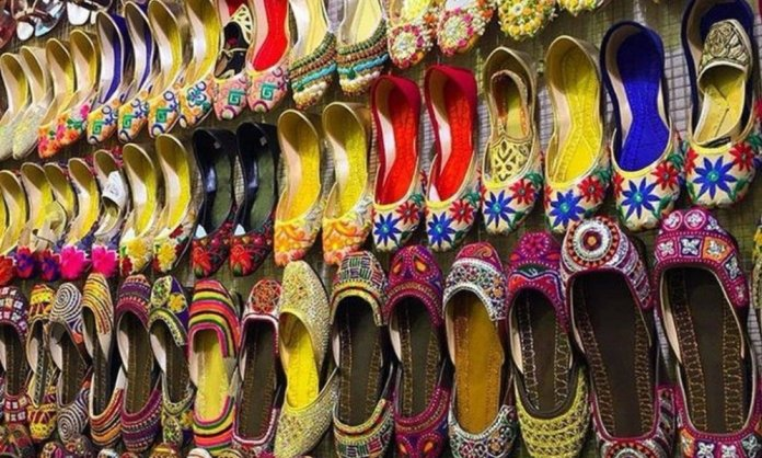 Pakistani Brands That Are Selling Beautiful Khussas!