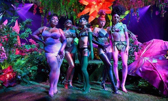 rihanna lingerie show
