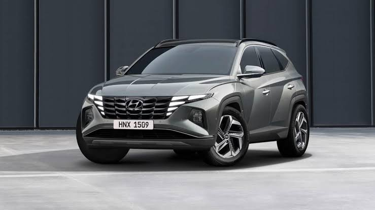 Hyundai with Hybrid Tucson