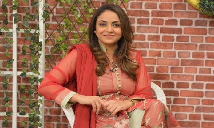 nadia khan, engaged