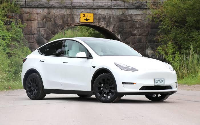 Samsung teams up with Tesla