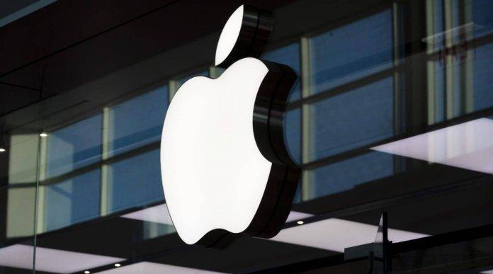 Apple iPhone 13 details