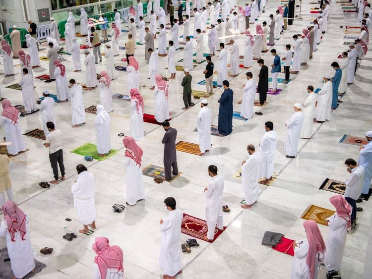 These Breathtaking Pictures Of Ramadan Nights In Makkah Are Worth Looking At!