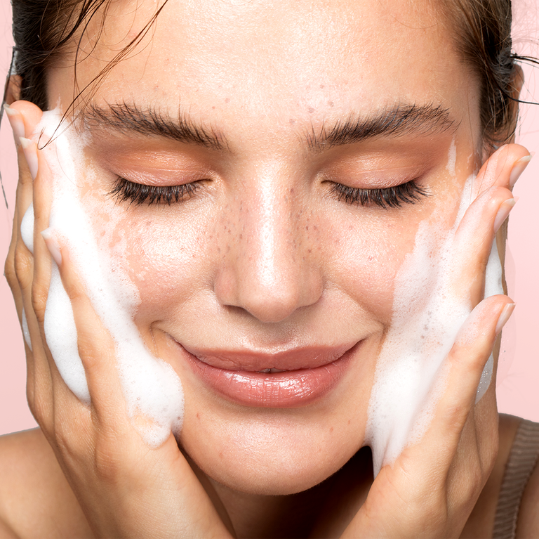 5 Ways To Keep Your Skin Hydrated This Summer!