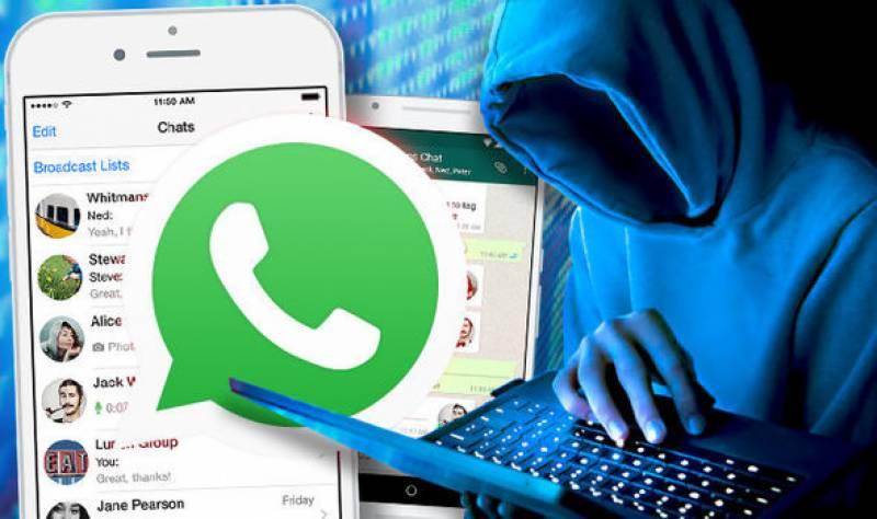 iMessage and whatsapp battle