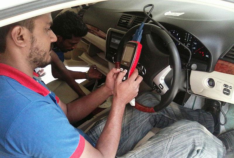 pakwheels car inspection team