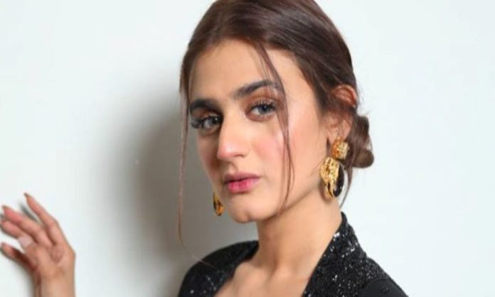 Hira Mani Along With Her Kids Were Robbed At Gunpoint In Front Of Their House