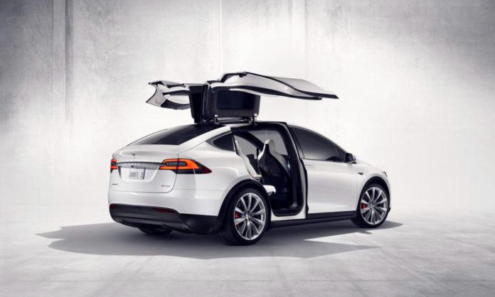 Tesla takes a dig at tech giants
