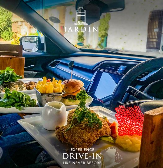 6 Restaurants In Karachi That Are Offering Car Dining