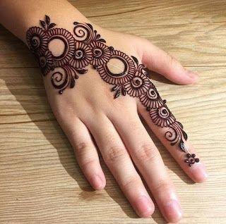 5 Minimalist Mehndi Designs For Everyday Look