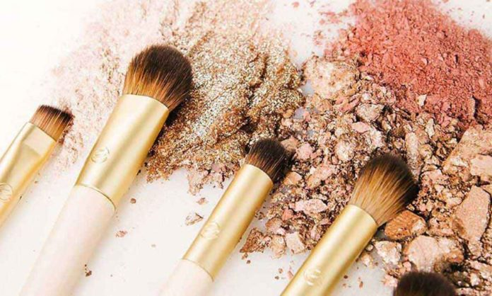 5 Ways To Clean Your Makeup Brushes Without Any Hassle