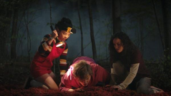 netflix promote movie stunt horror movie