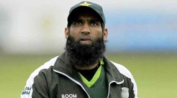 cricketers who changed religion