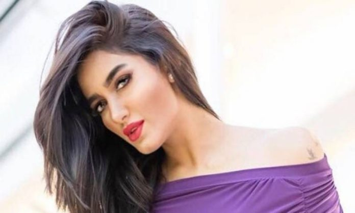 mathira removes pictures instagram respect muharram