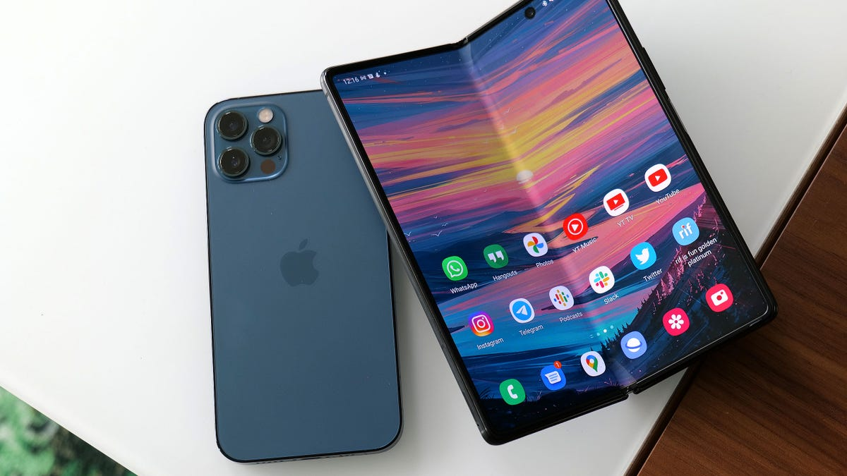 apple and releasing a new unfoldable phone leak
