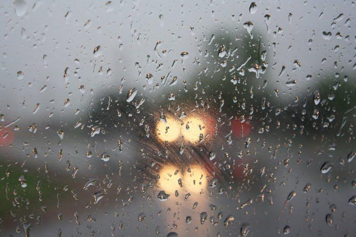 keeping headlights on in rainy weather