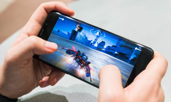 gamers and mobile phones under 30000