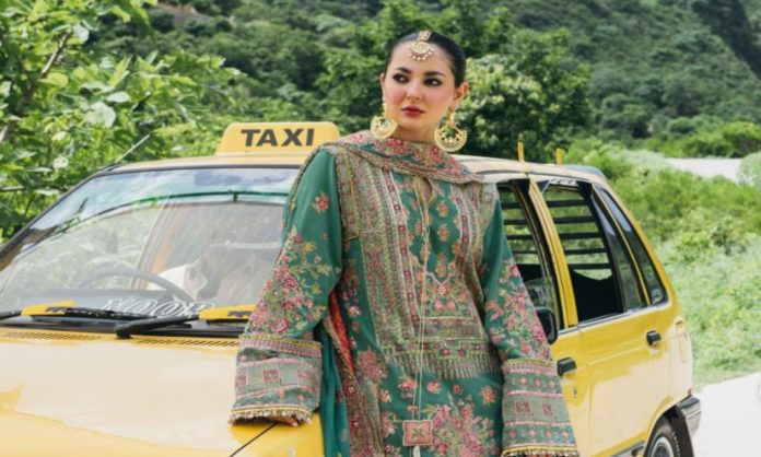 hania aamir poses taxi trolling