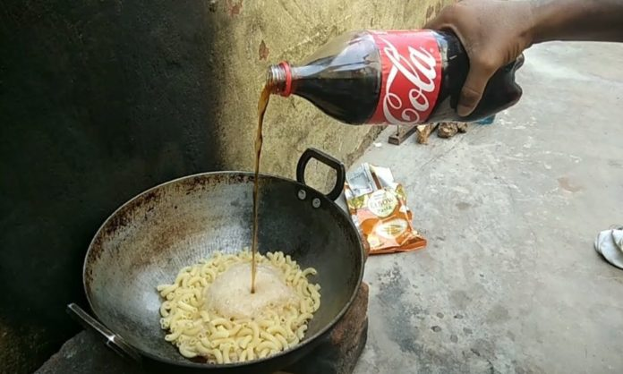 This Guy Cooked Noodles In Coca-Cola & It Is Just Weird