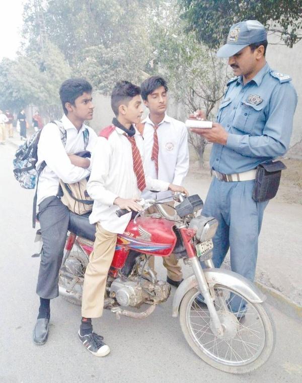 control underage driving karachi