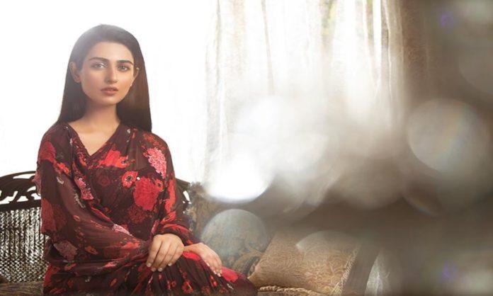 pakistanis divided Sarah khan slapping back