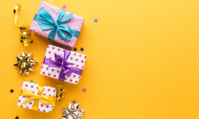 8 Affordable Things You Can Gift To Your Loved Ones If You're Broke