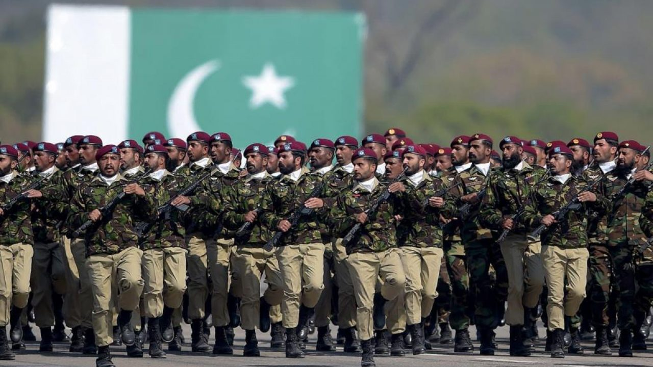 pak army and soldier in it