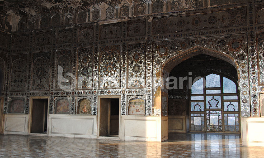 Thousands of Tiny Mirrors Decorate the Walls of Sheesh Mahal