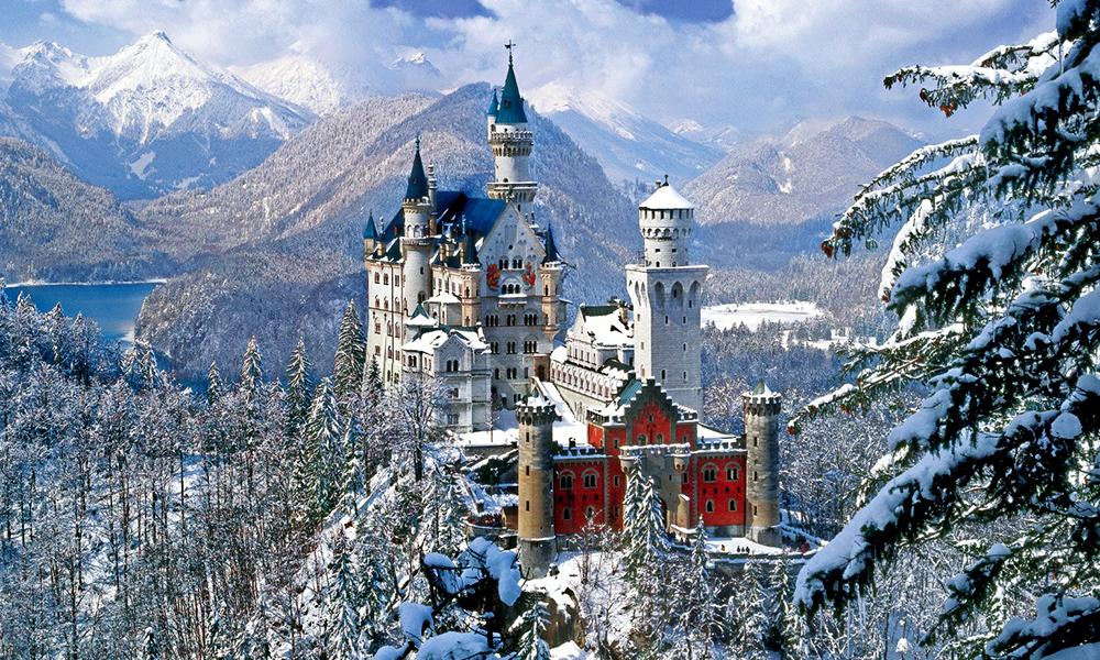 Neuschwanstien Castle Bavaria , Germany