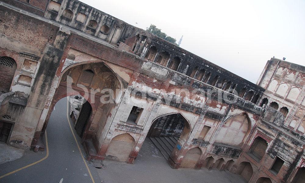 Hathi Paon or Elephant Gate