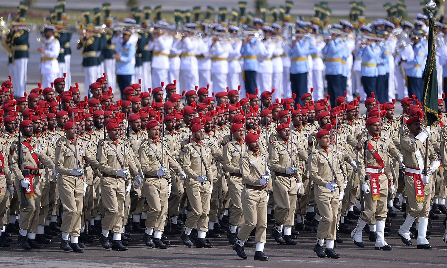 pakistan day celebration Chinese, saudi troops and turkish military band feature at republic day parade.