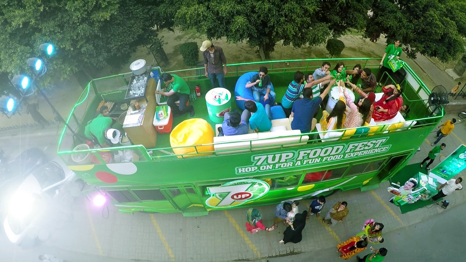 7UP Bus