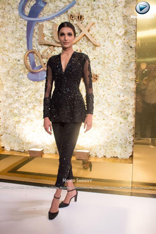 Amna Ilyas Look 2 LSA 2015