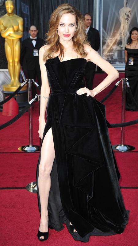 http://www.brandsynario.com/wp-content/uploads/Angeline-Jolie-.jpg