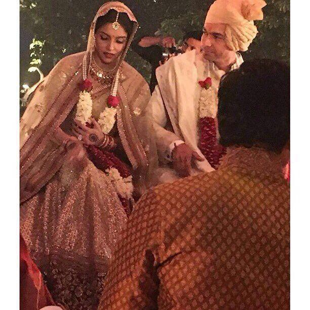 Asin and Rahul Wedding Picture