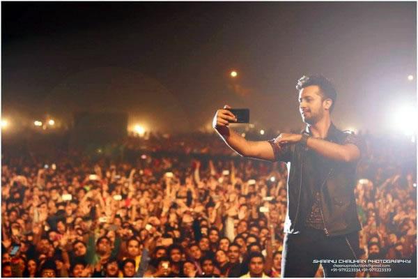 Atif-Aslam-rocked-New-Delhi