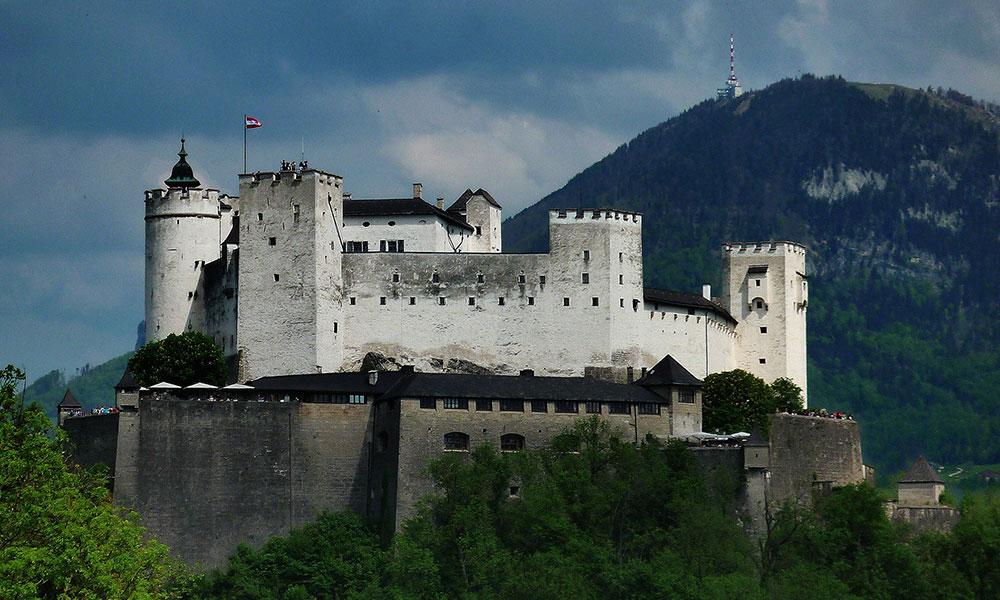 Austria_lead
