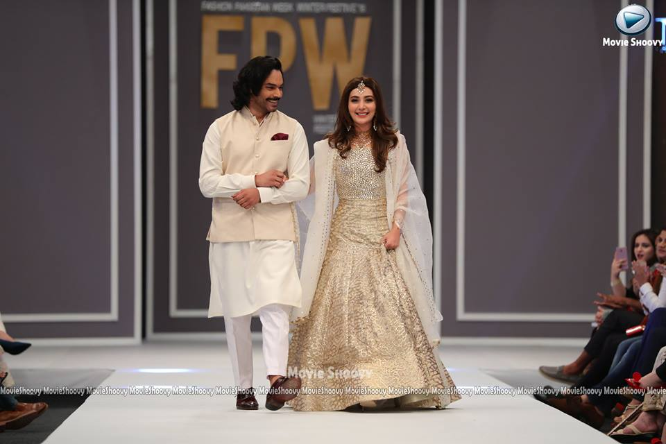 ayesha-khan-and-goher-at-fpw-2016