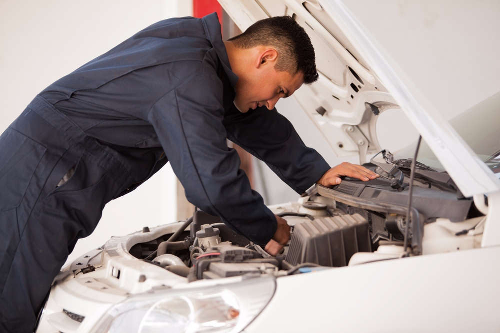 Car Mechanic.Brandsynario