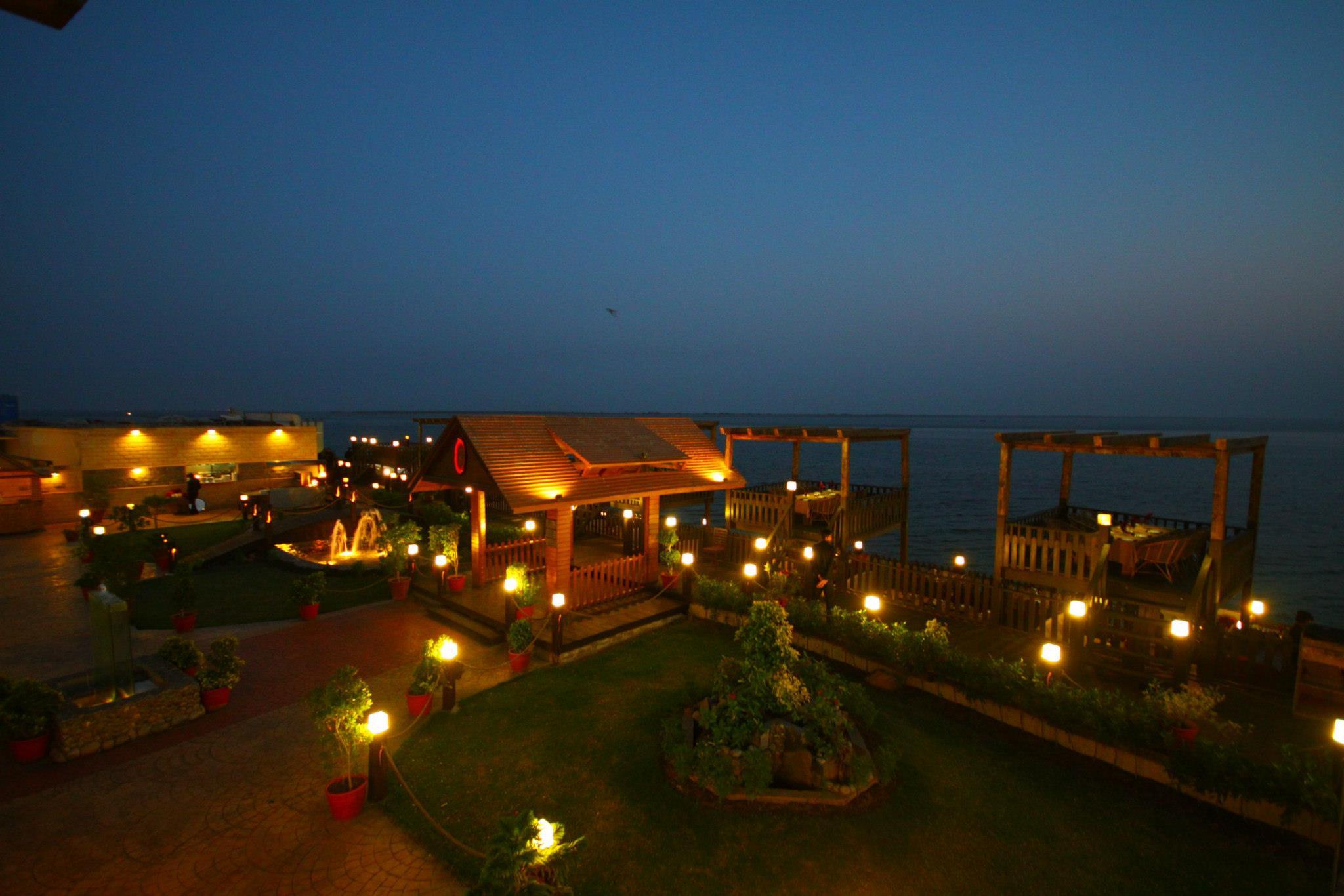 Charcoal-BBQ-n-Grill-Restaurant-at-Do-Darya-DHA-Karachi-1