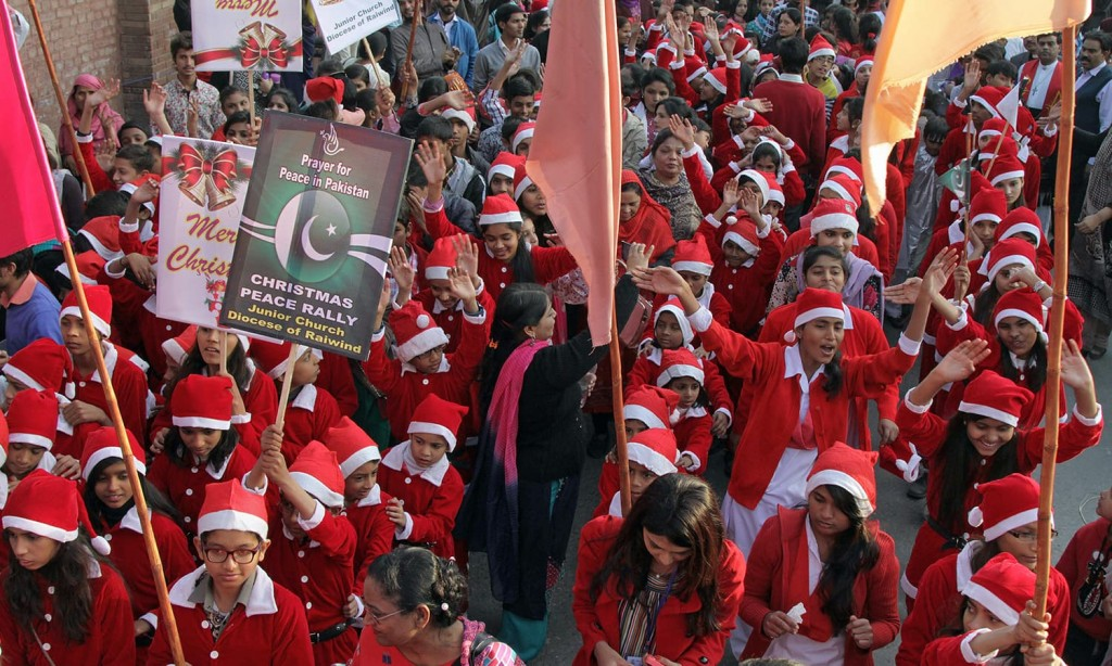 Christmas 2015 Preparations Begin in Pakistan