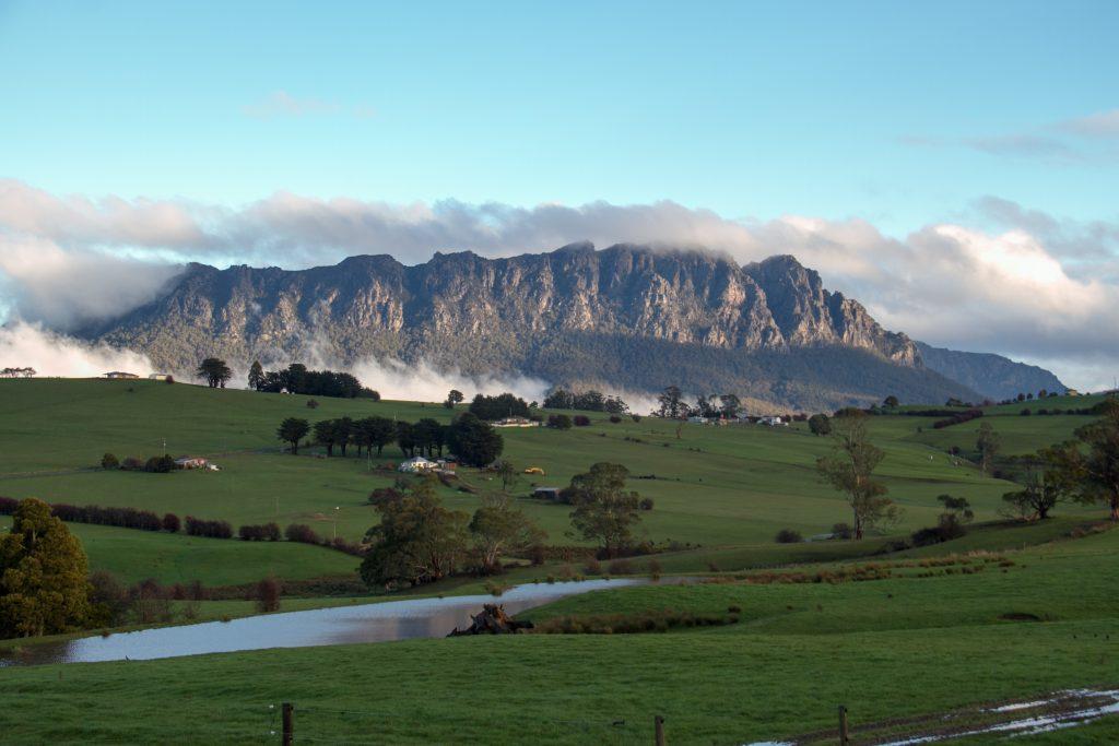 Cradle_Mountain,_Tasmania,_Australia